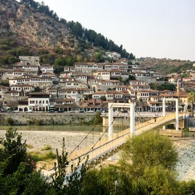 Albanien, Gjirokastra seit 2005 UNESCO-Welterbe (© K. Vogt)